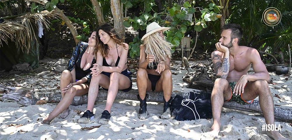 Live 26 aprile 2021 · L'Isola Dei Famosi 2021, dodicesima puntata. La nuova Isola è condotta da Ilary Blasi, in onda in prima serata su Canale5