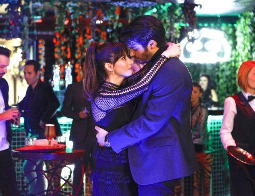 #BitterSweet: Ingredienti d'amore diventa un romanzo! Torna la serie tv di #Canale5 con #ÖzgeGürel e #CanYaman, prossimamente in #MrWrong (#BayYanliş)