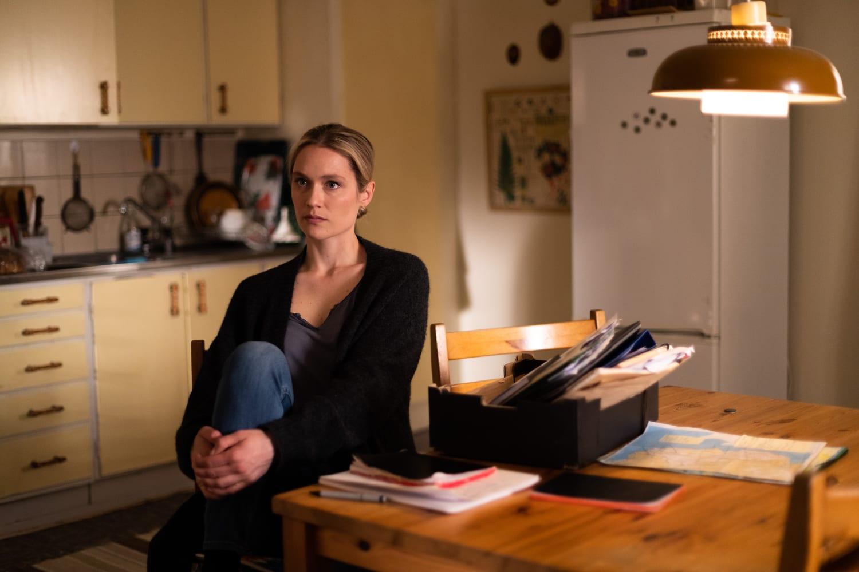 Hammarvik Amori e altri omicidi: Camilla Läckberg firma la sua prima seria tv in onda dal 4 maggio, alle 21.10 in prima tv assoluta su laF