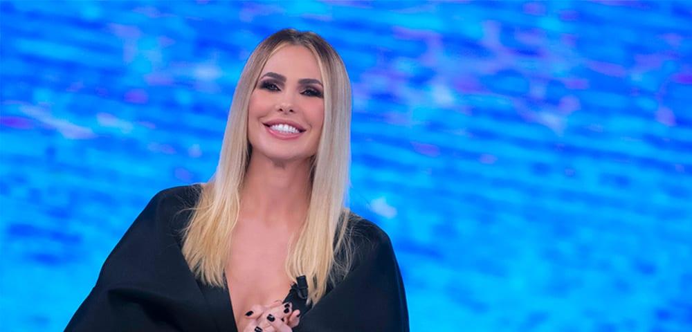 Live 17 maggio 2021 · L'Isola Dei Famosi 2021, diciottesima puntata. La nuova Isola è condotta da Ilary Blasi, in prima serata su Canale5