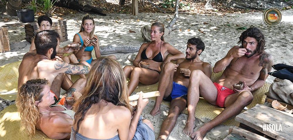 Live 24 maggio 2021 · L'Isola Dei Famosi 2021, ventesima puntata. La nuova Isola è condotta da Ilary Blasi, in prima serata su Canale5