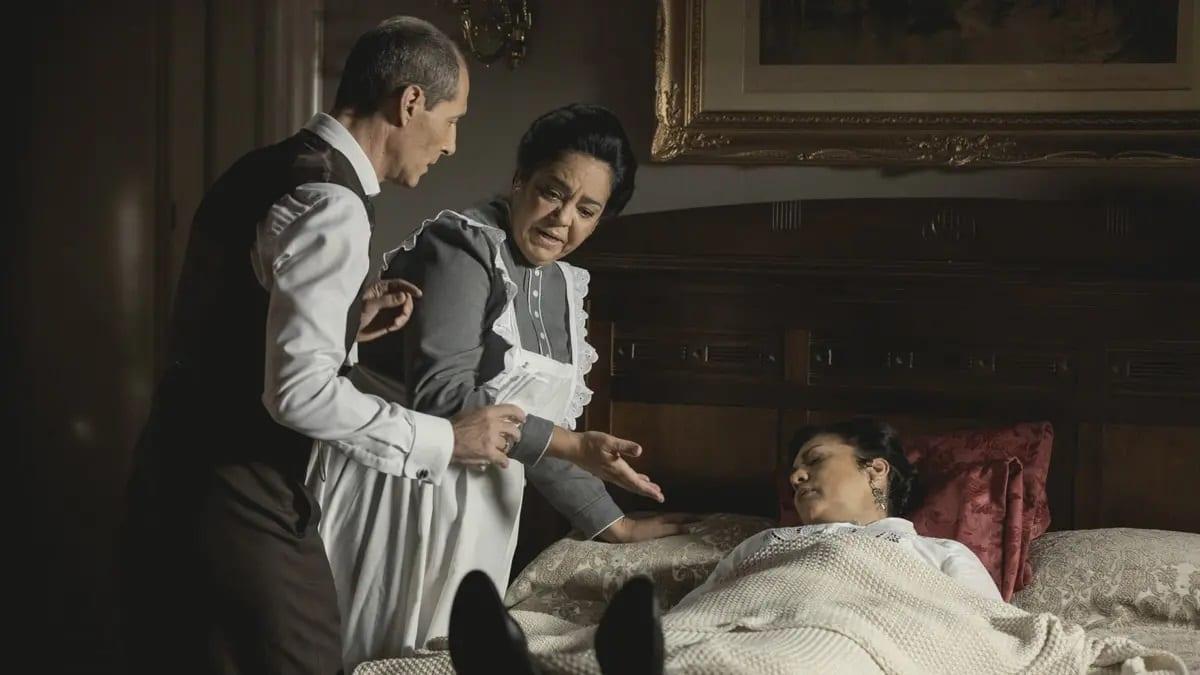 Una Vita settimana dal 3 all'8 maggio 2021: Emilio scopre Margarita alterare il tè di Bellita e trova una boccetta. Intanto si scopre la verità sull'identità di Santiago