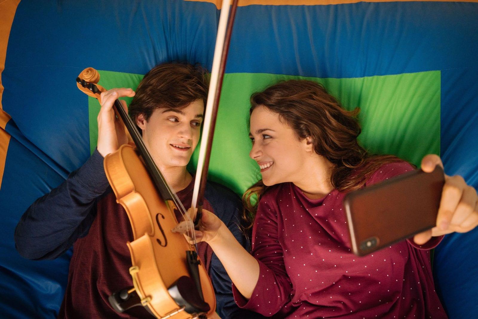 Titoli di coda · La Compagnia del Cigno 2 ultimo appuntamento. Con Alessio Boni ed Anna Valle, in prima assoluta, in prime time su RaiUno