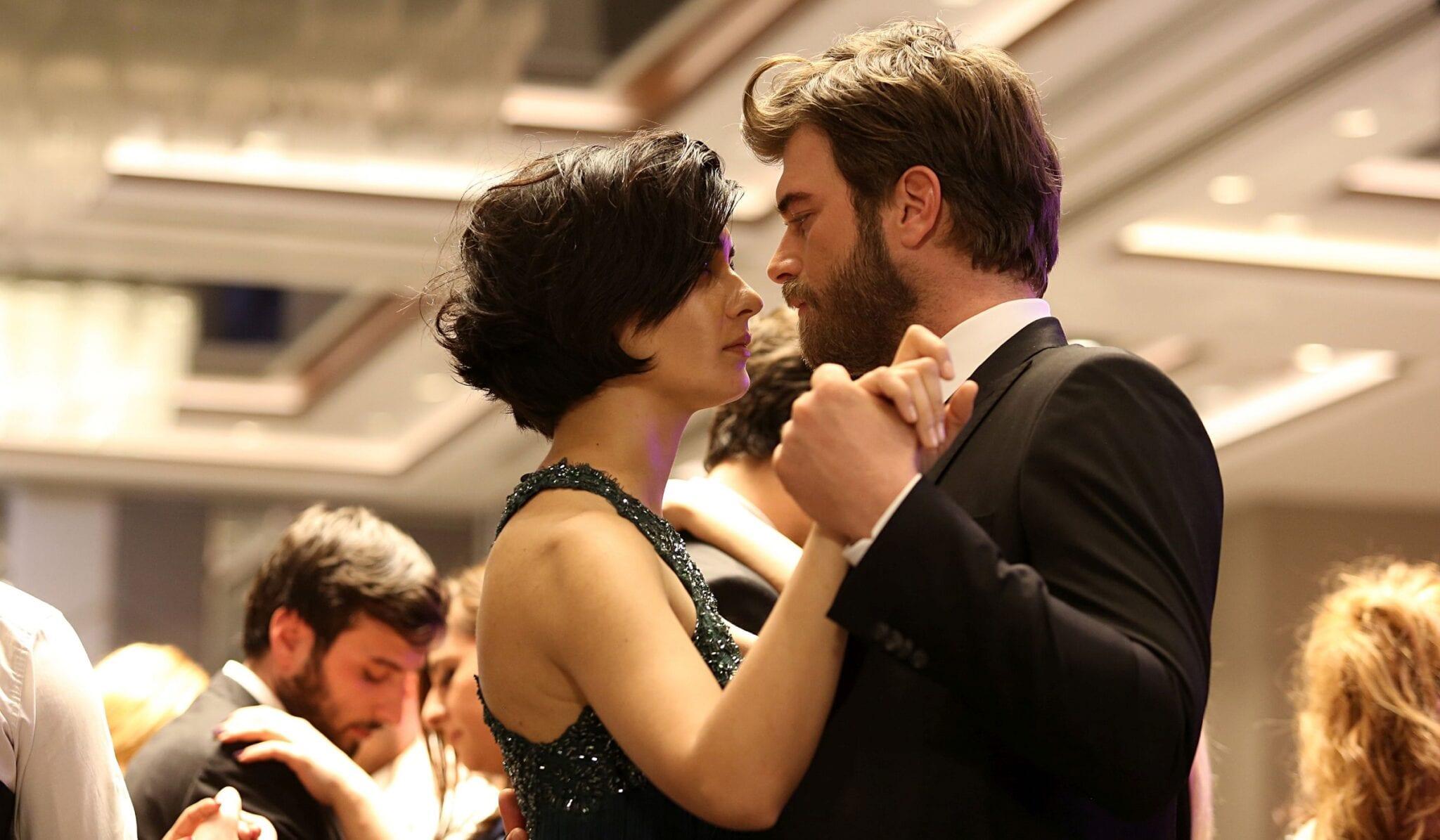 Dopo Mr. Wrong e Love is in the air, è in arrivo su Canale5 un'altra serie tv turca? Arriverebbe la serie drammatica Cesur ve Güzel (VIDEO)
