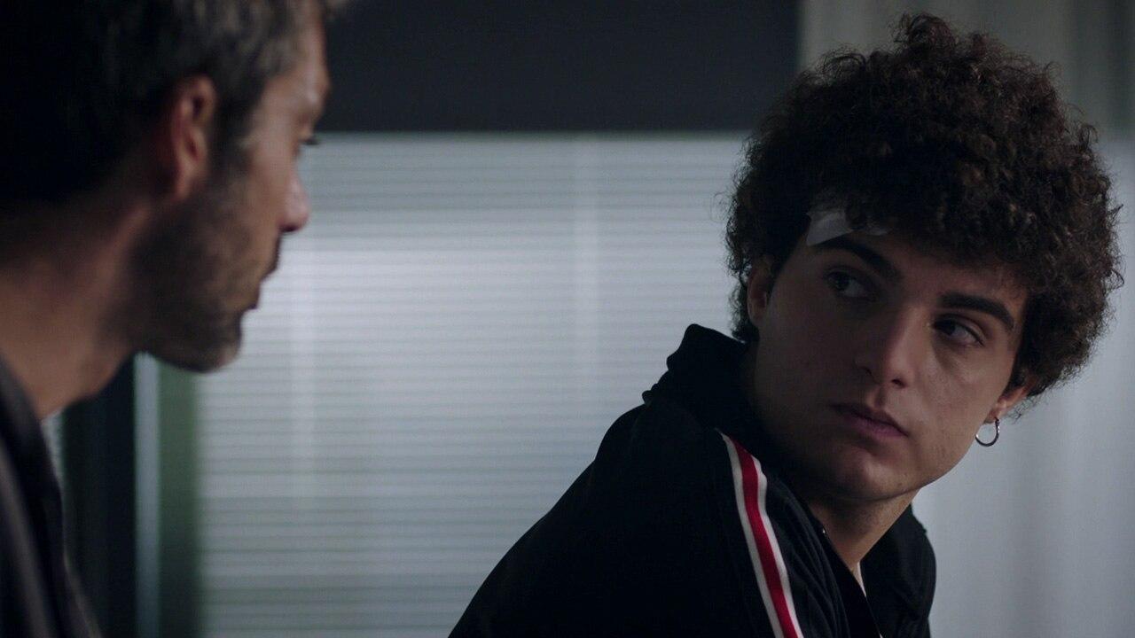 Fiction Club · DOC Nelle tue mani primo appuntamento. Rivediamo la serie con protagonista Luca Argentero, in onda in prime time su Rai1
