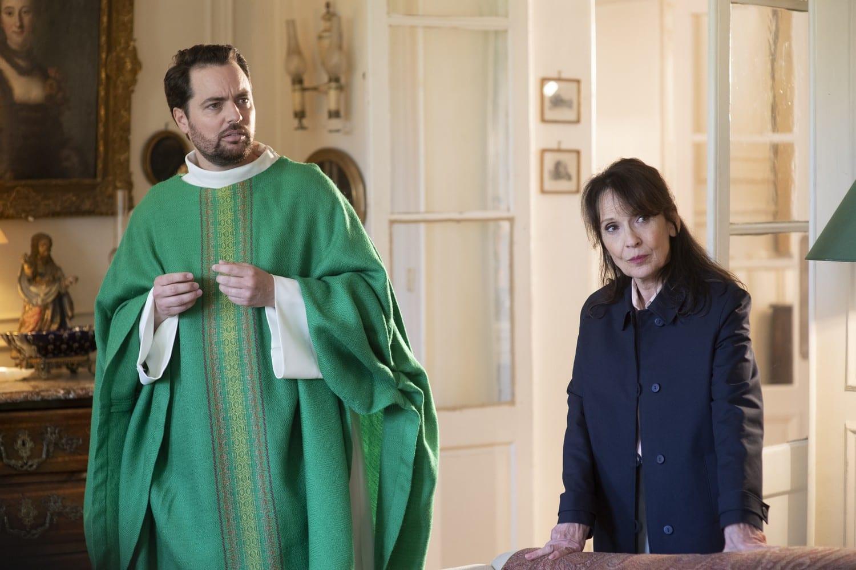 CinemaTivu: Non sposate le mie figlie! 1 e 2, interpretato da Christian Clavier, diretto da Philippe De Chauveron, in prime time su Rai1