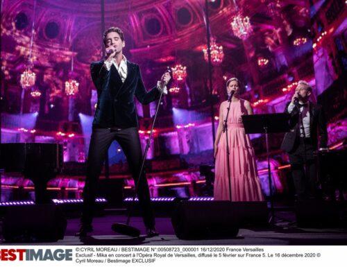 Stasera su #Sky e NOW in onda l'eccezionale concerto a Versailles di Mika