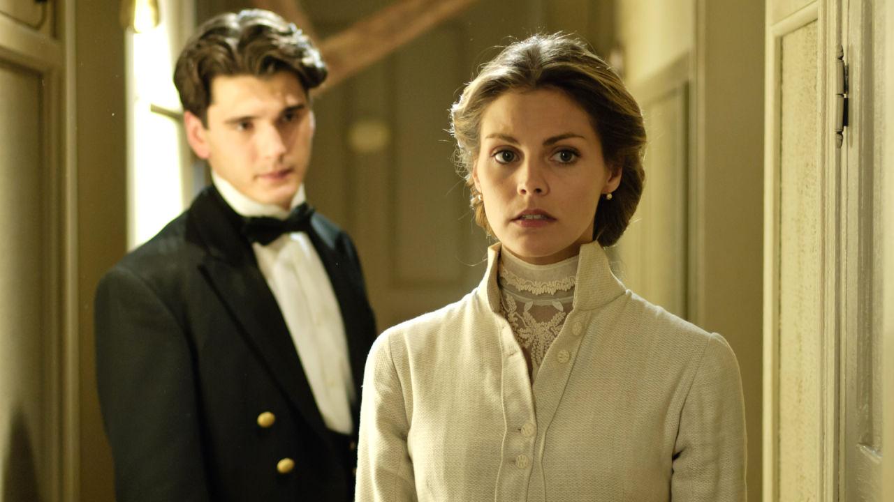 SerieTivu: Grand Hotel quinto appuntamento. Con protagonista Yon González e Amaia Salamanca, in onda in prima visione tv free su Canale5