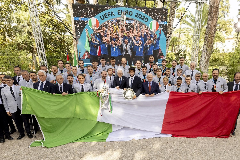 Live 12 luglio 2021 · Notte Azzurra la vittoria, con i campioni di Euro 2020, condotta da Serena Autieri e Marco Lollobrigida, su RaiUno