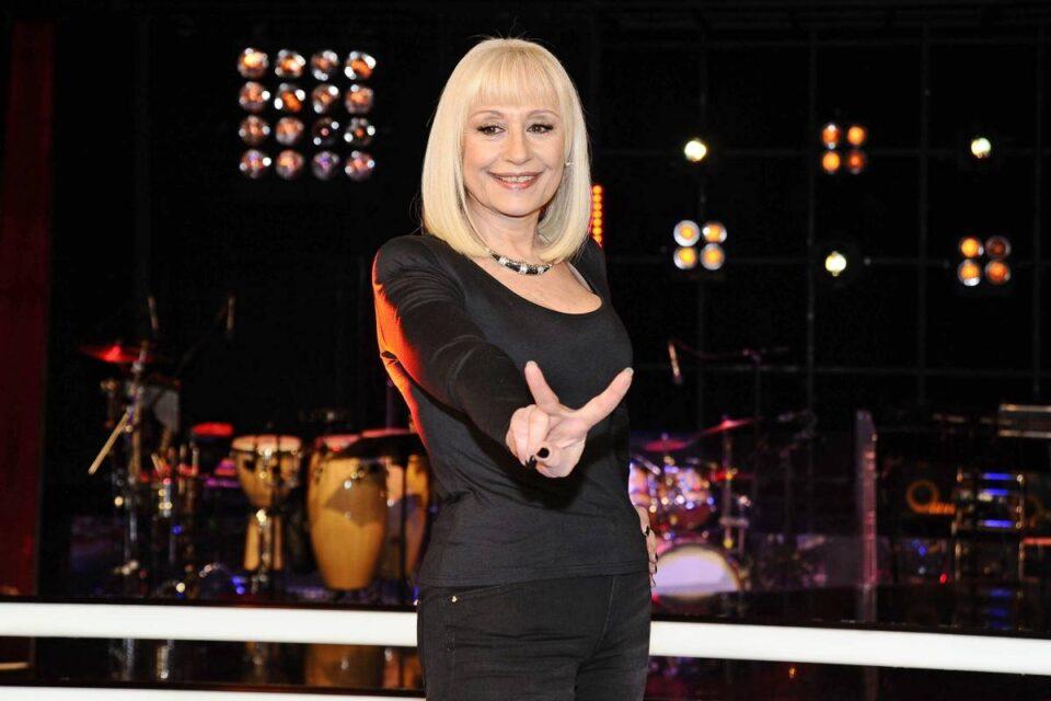Live 27 luglio 2021 · Carramba che sorpresa quarta puntata. Continua il people show in memoria di Raffaella Carrà, in onda su RaiUno