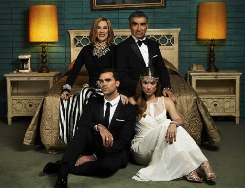 La pluripremiata serie tv Schitt's Creek arriva in anteprima esclusiva su Mediaset #InfinityPlus