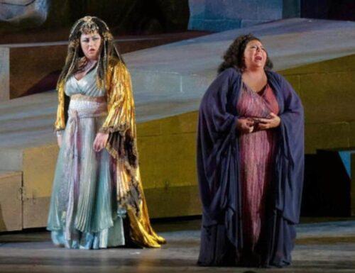 Stasera su #Rai3 in prima visione la grande Opera dall'Arena di Verona con Baudo e Di Bella