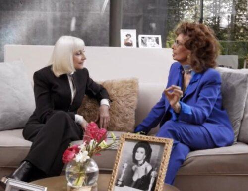 Live 5 agosto 2021 · A raccontare comincia tu con Sophia Loren, il talk prime time in memoria di Raffaella Carrà, su RaiTre