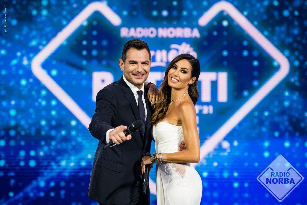 Live 10 agosto 2021 · Battiti Live 2021 ultimo appuntamento. Condotto da Alan Palmieri con Elisabetta Gregoraci, in prime time su Italia1