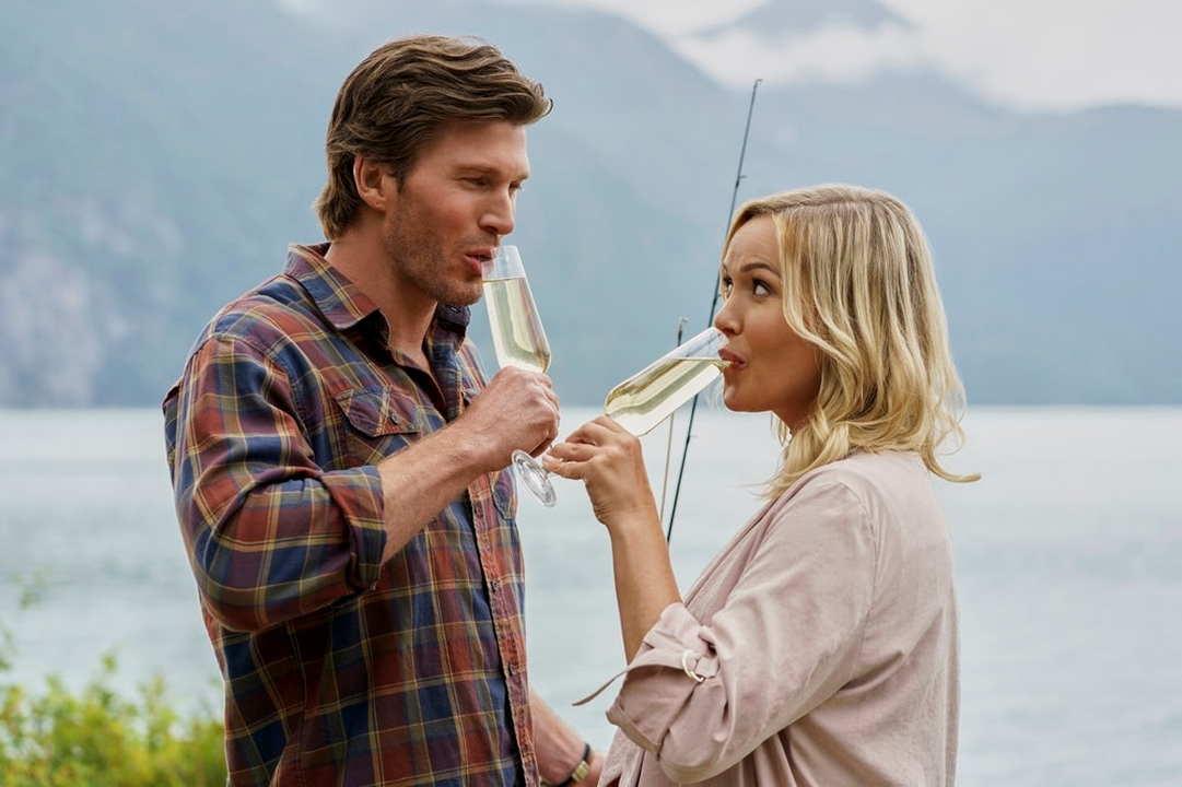 CinemaTivu: Campeggio a 5 stelle (USA/Can 2020), con Emily Ullerup e Christopher Russell, diretto da Marita Grabiak, in primi time su RaiUno