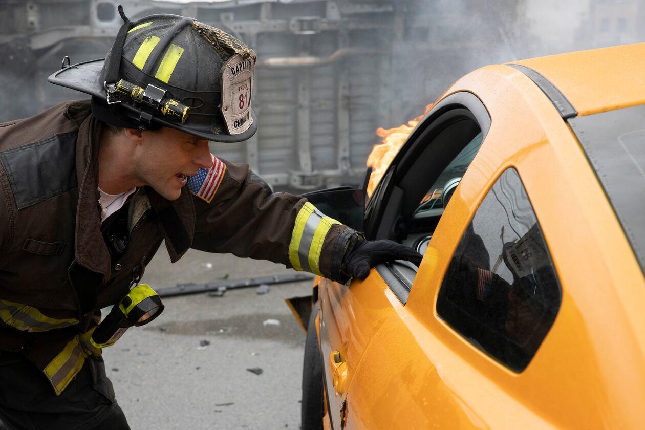 SerieTivu: Chicago Fire 8 quinto appuntamento. Tornano i pompieri e i paramedici del Chicago Fire Department, in prima tv free su Italia1