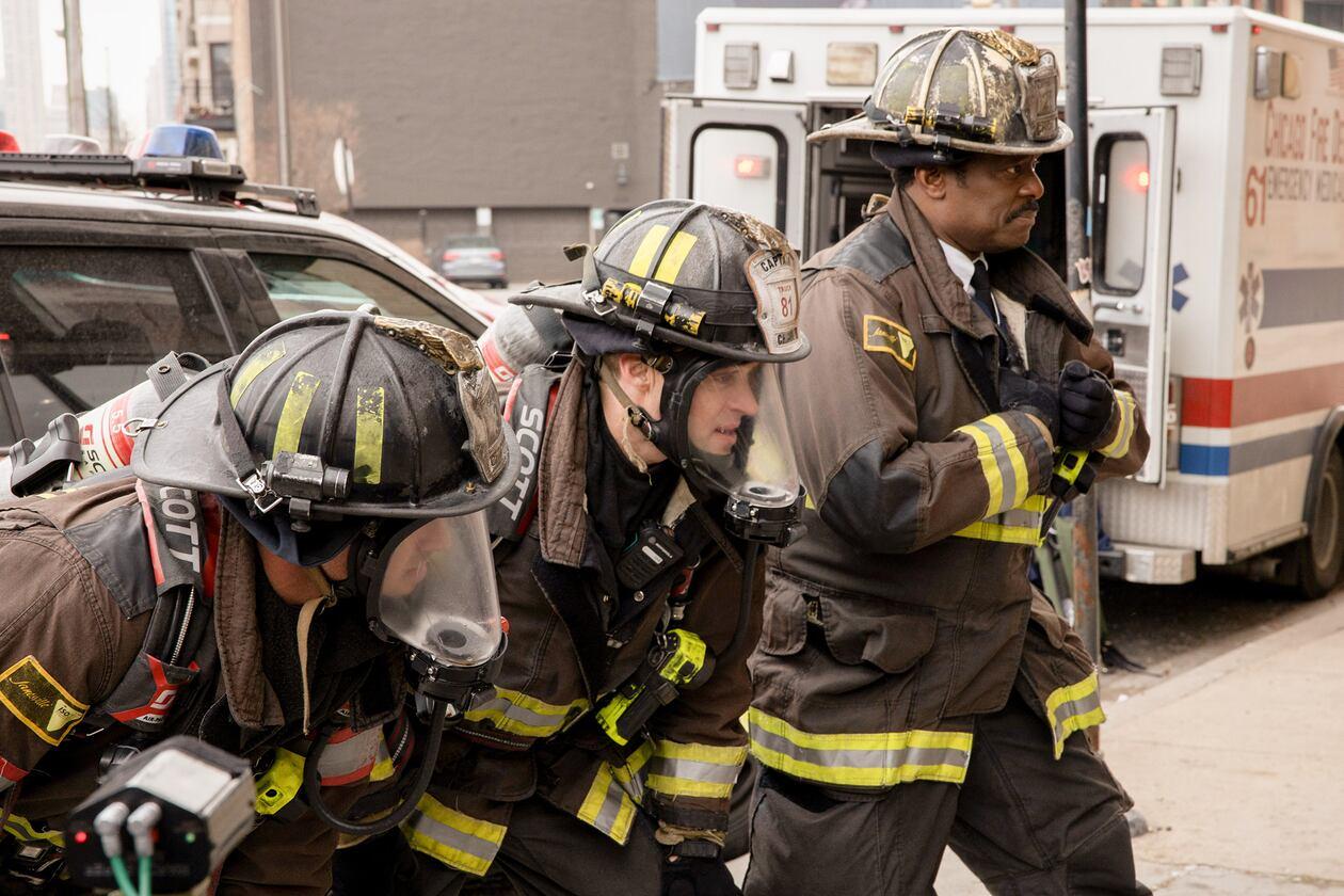 SerieTivu: Chicago Fire 8 sesto appuntamento. Tornano i pompieri e i paramedici del Chicago Fire Department, in prima tv free su Italia1