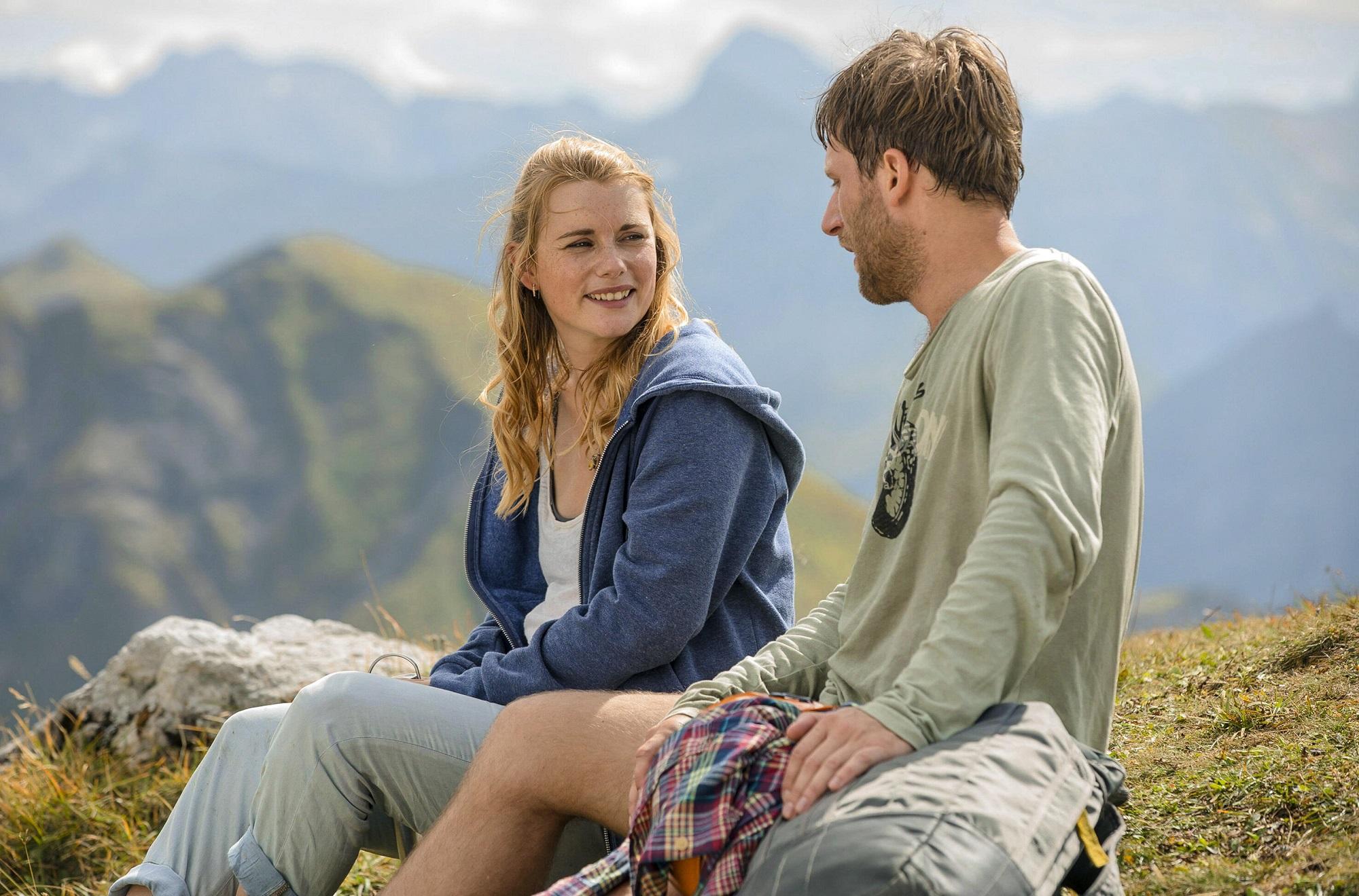 SerieTivu: La casa tra le montagne secondo appuntamento. Arriva dalla Germania un ciclo di 6 film tv, in onda in prima visione tv su Canale5