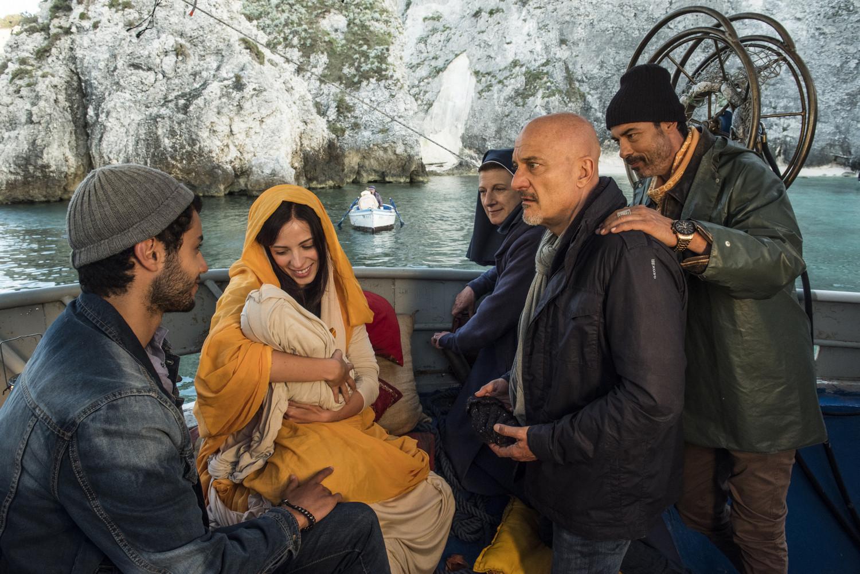 CinemaTivu: Non c'è più religione (Ita 2016), con Claudio Bisio, Alessandro Gassmann e Angela Finocchiaro, diretto da Luca Miniero, su RaiUno
