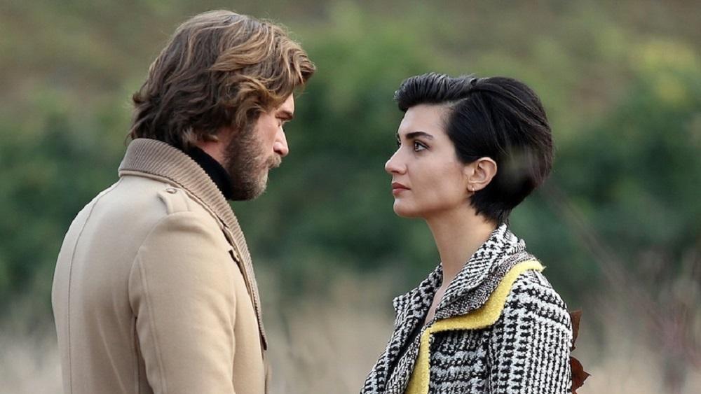 Brave and Beautiful settimana dal 9 al 13 agosto 2021: Hulya seduce Korhan e Cahide lo lascia. Tahsin fa sabotare l'auto di Cesur che è in auto con Suhan