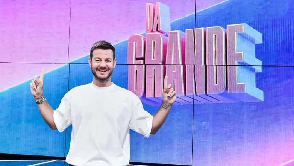Live 19 settembre 2021 · Da Grande, primo appuntamento. Condotto da Alessandro Cattelan, arriva in tv lo show evento in prime time su RaiUno