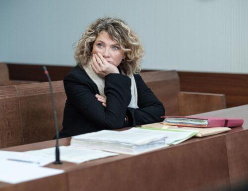 SerieTivu: Gloria, secondo appuntamento. Con protagonista Cécile Bois, la miniserie francese in onda in prima visione assoluta su Canale5