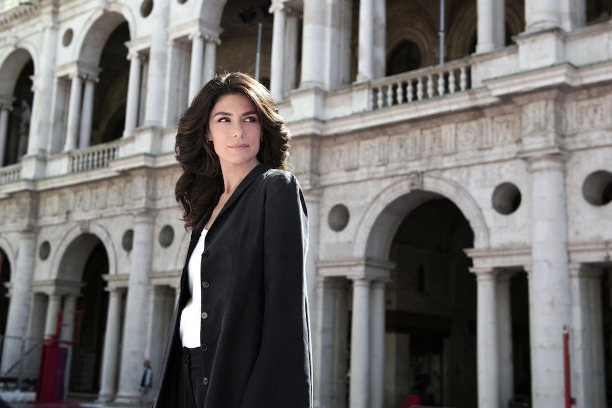 Fiction Club · Luce dei tuoi occhi prima puntata. Con protagonisti Anna Valle e Giuseppe Zeno, in onda in prima visione assoluta, su Canale5