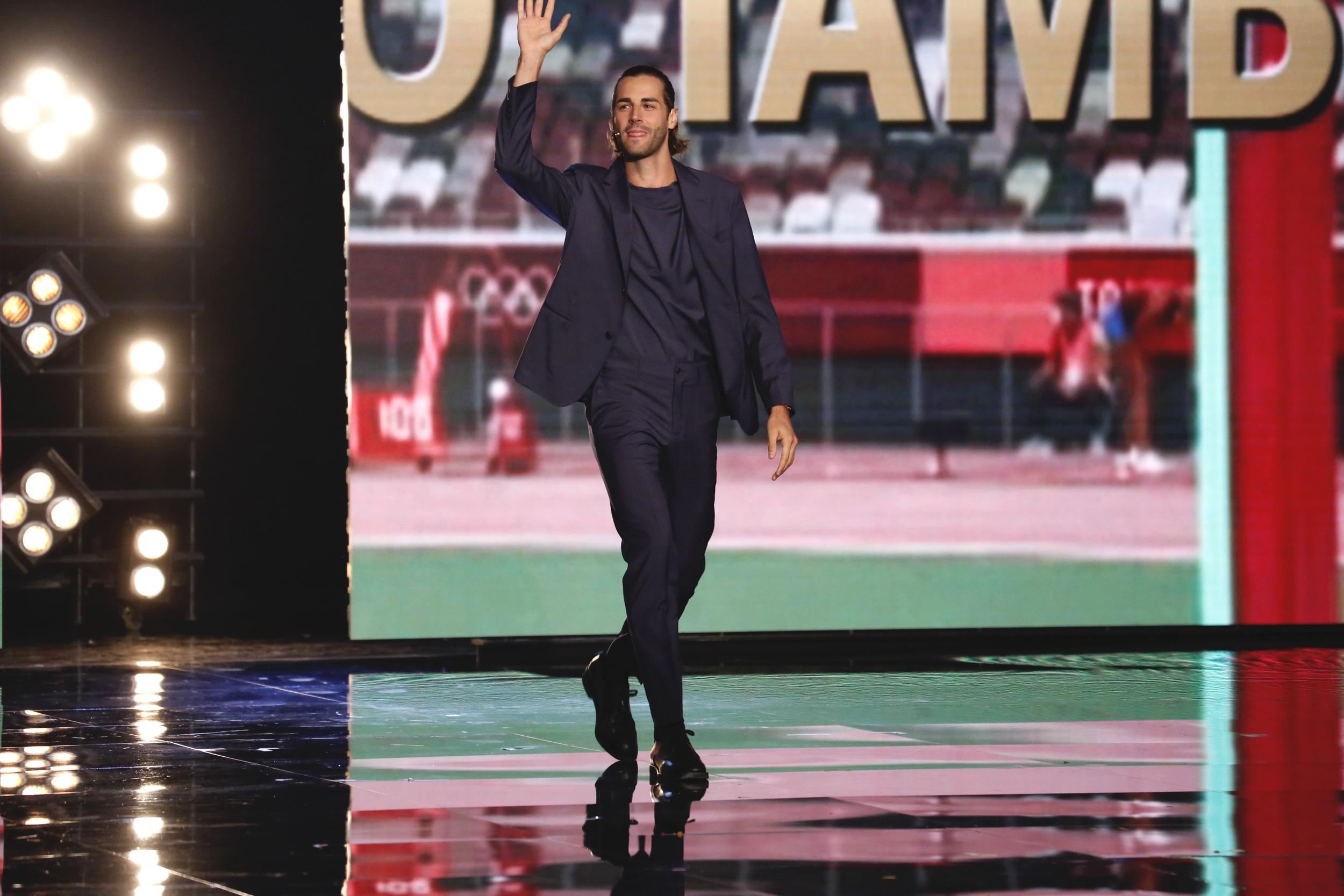 Live 18 settembre 2021 · Tu si que vales 2021 prima puntata. Con Belen Rodriguez, Martin Castrogiovanni e Alessio Sakara, su Canale5