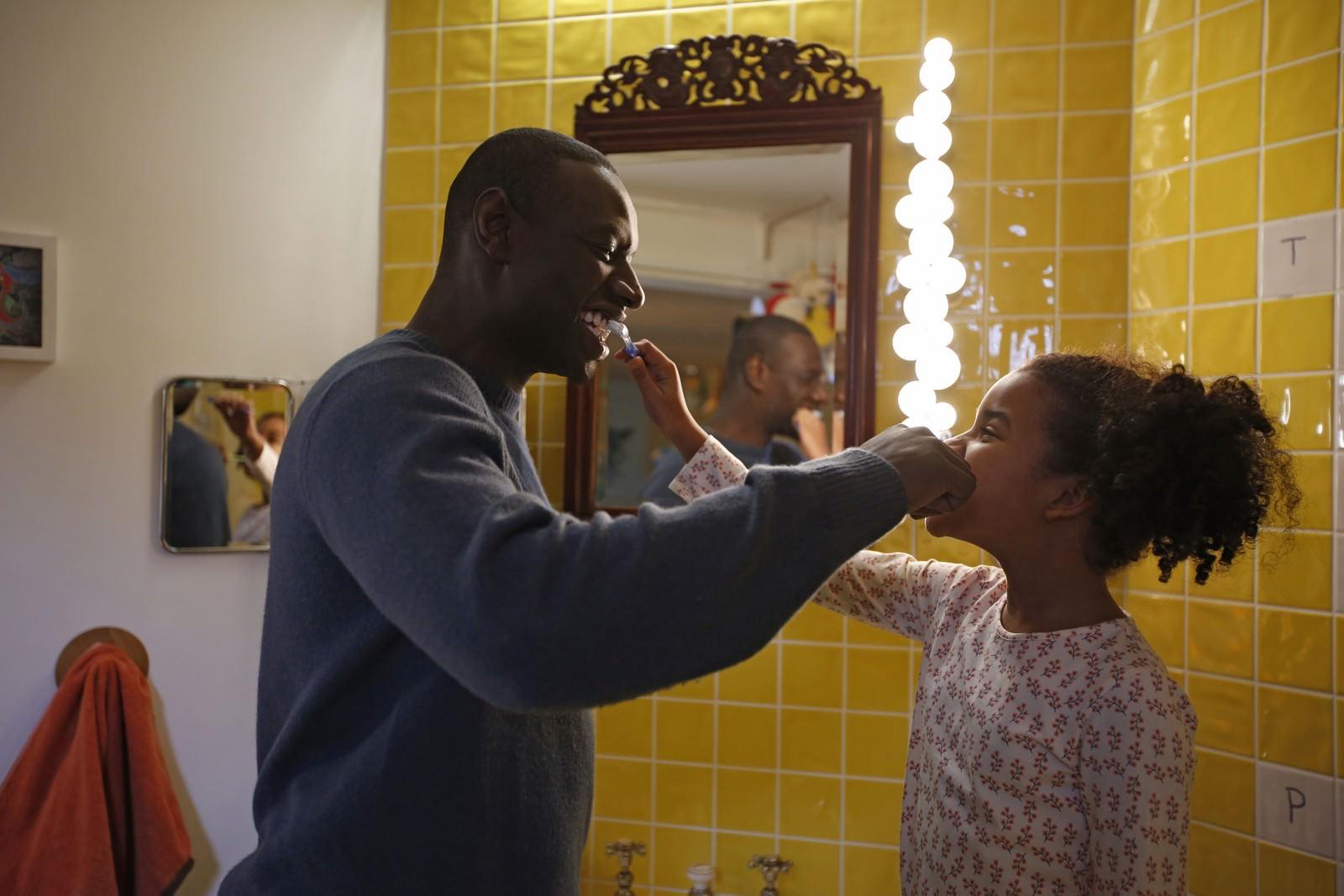 CinemaTivu: Famiglia all'improvviso: Istruzioni non incluse (Fra 2016), con Omar Sy, diretto da Hugo Gélin, in prima serata su Canale5